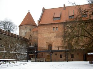 Burg_Butow2